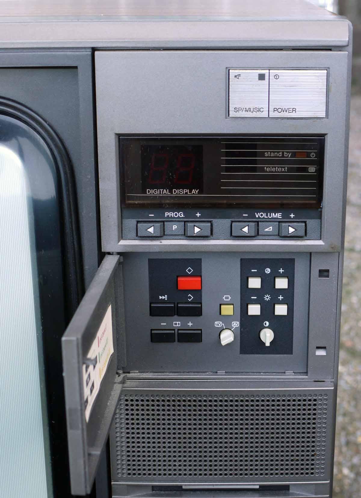 Philips 26cs5770  10z Chassis K40 1985